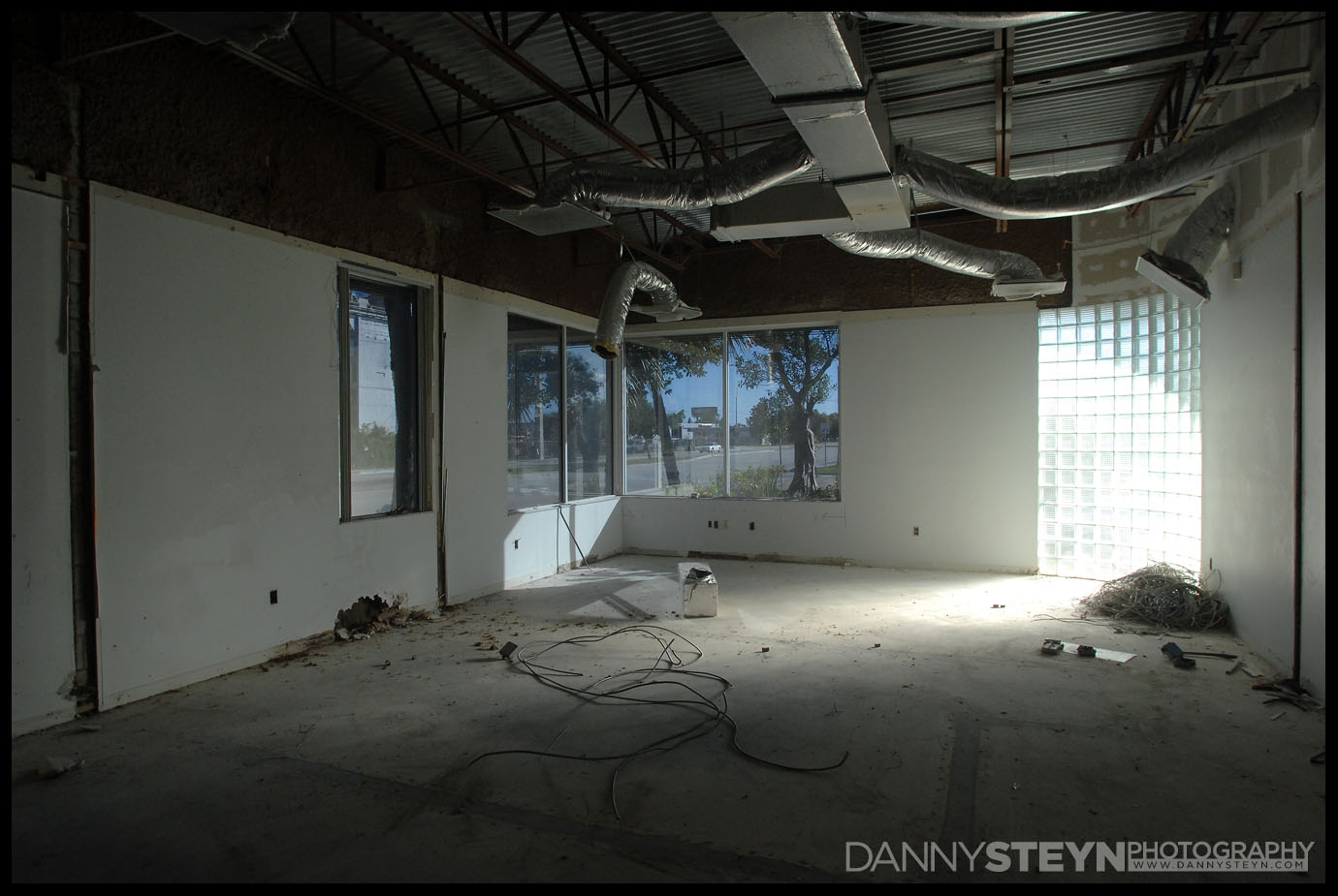 building-day-1-demo-photography-0010