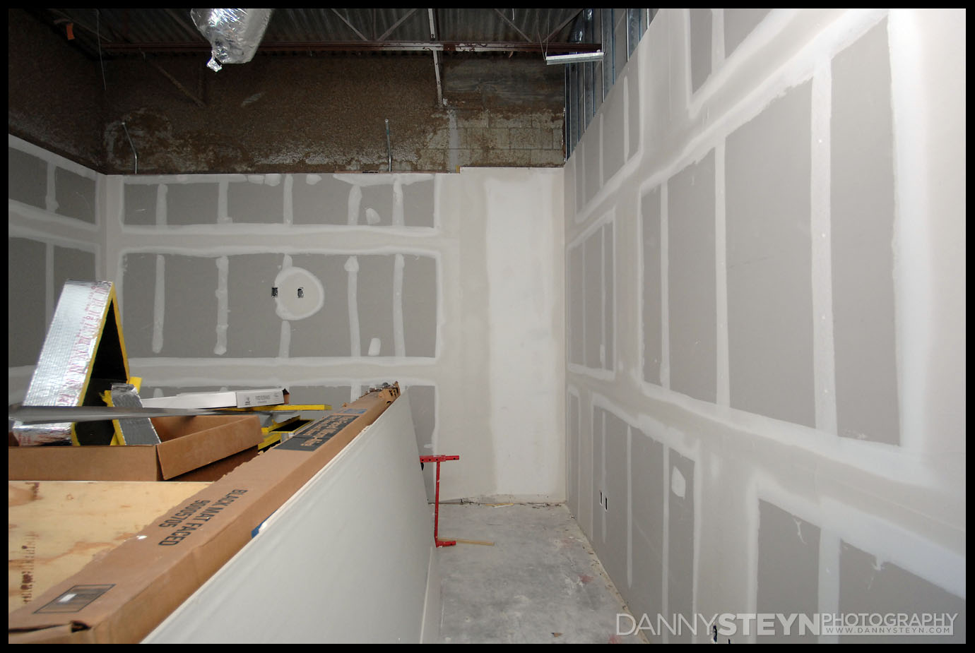 Danny Steyn Photography Studio - Drywall framing, taping and mudding - editing office