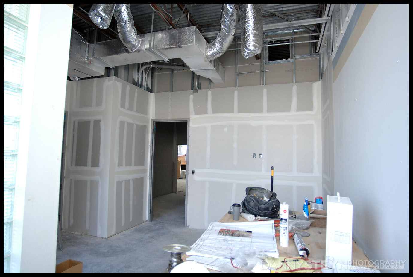 Danny Steyn Photography Studio - Drywall framing, taping and mudding - Main Lobby